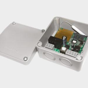 Блок управления CV01 для осуществления возможности дистанционного управления одной роллетой или группой роллет