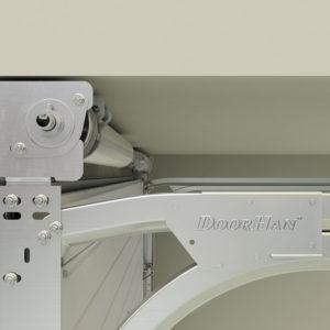 Благодаря новому кронштейну, ворота серии RSD02 с системой барабан впереди могут устанавливаться в небольшие помещения с низкой притолокой от 160 мм.
