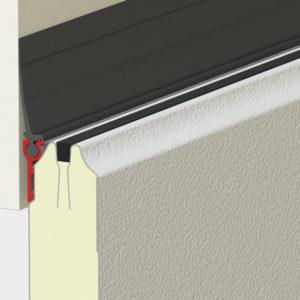 Односторонний верхний профиль позволяет сохранить терморазрыв панели (отсутствие «мостика холода»), что снижает образование конденсата и наледи на внутренней стороне щита.