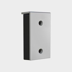 Артикул «BRSP(16)465х250х165». Построен на базе бампера 450 x 250 x 100 мм. Бампер 465 х 250 х 165 мм (внешние размеры) со стальной рабочей накладкой толщиной 16 мм. Состоит из амортизирующего по всей поверхности наполнителя (резинового бампера 450 x 250 x 100 мм), закрытого прочной внешней стальной пластиной. Установочные размеры смотрите в разделе «Чертежи»